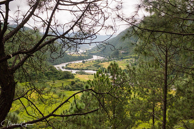 Magnificent views of the Punakha valley on the way up to the Chorten