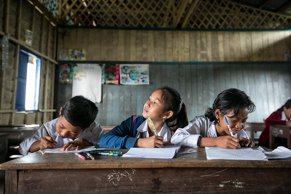 A village school  that float along the Tonle Sap Lake.  www.rusticpathways.com Credit: Rustic Pathways Copyright: © 2015 Rustic Pathways Usage with express permission only.