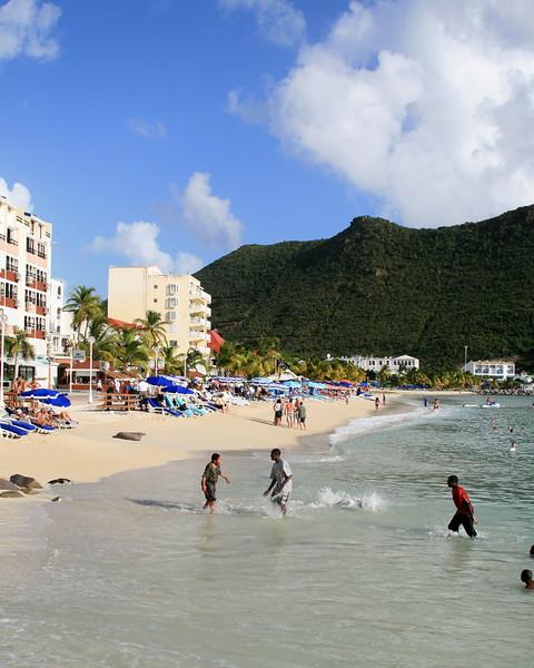 <h3><center> Philipsburg</h3><br> <h5>~ St. Maarten</center></h5>