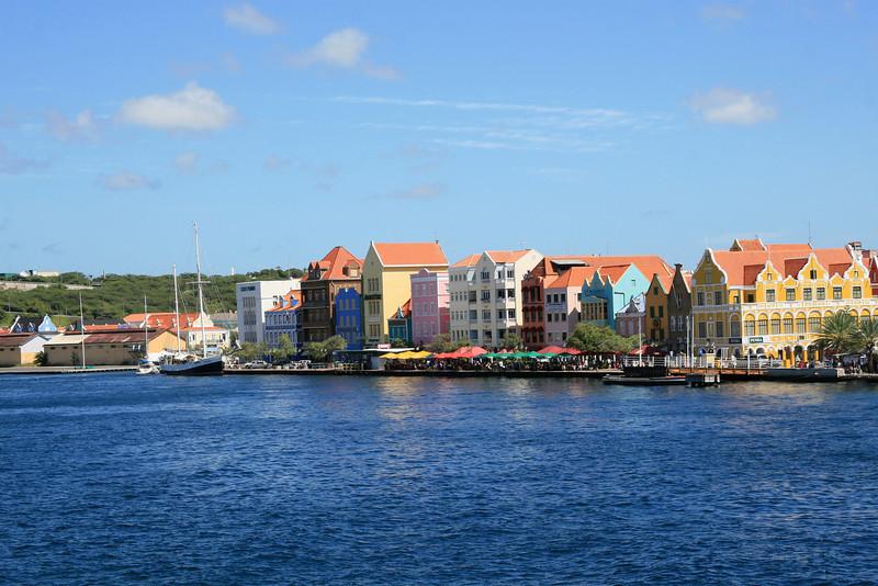 <h3><center>Willemstad</h3><br> <h5>~ Curaçao</center></h5>