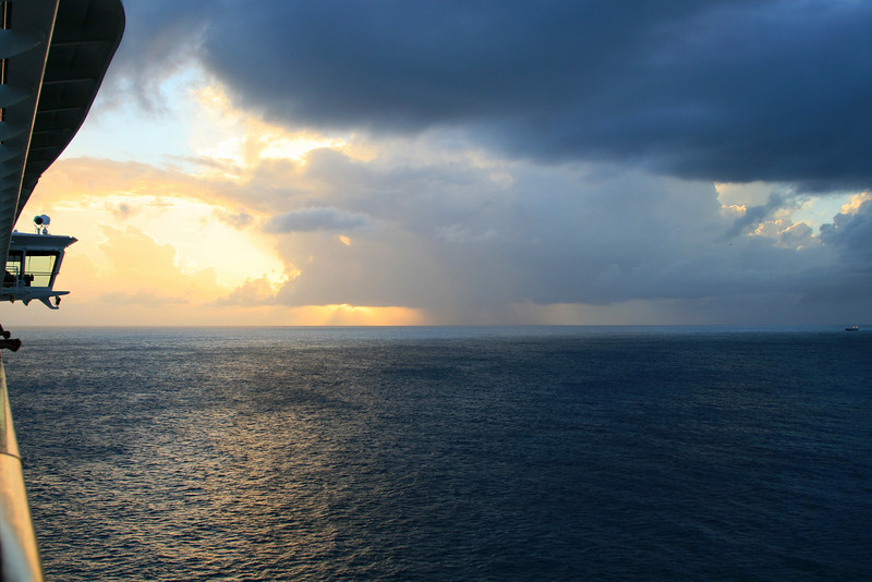 <h3><center> Sunset off St. Maarten</h3><br> </center>