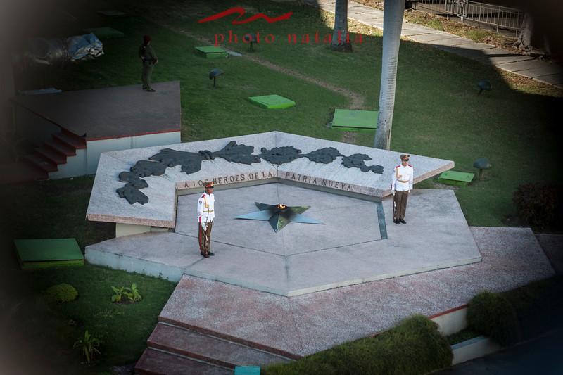 La flama eterna honorando a los soldados de la revolucion cubana