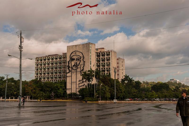 Ernesto Che Guevara - Edificio del Ministerio del Interior en la Plaza de la Revolucion.