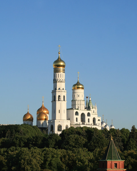 Ivan the Great Bell Tower and Cathedral Square (Kremlin)