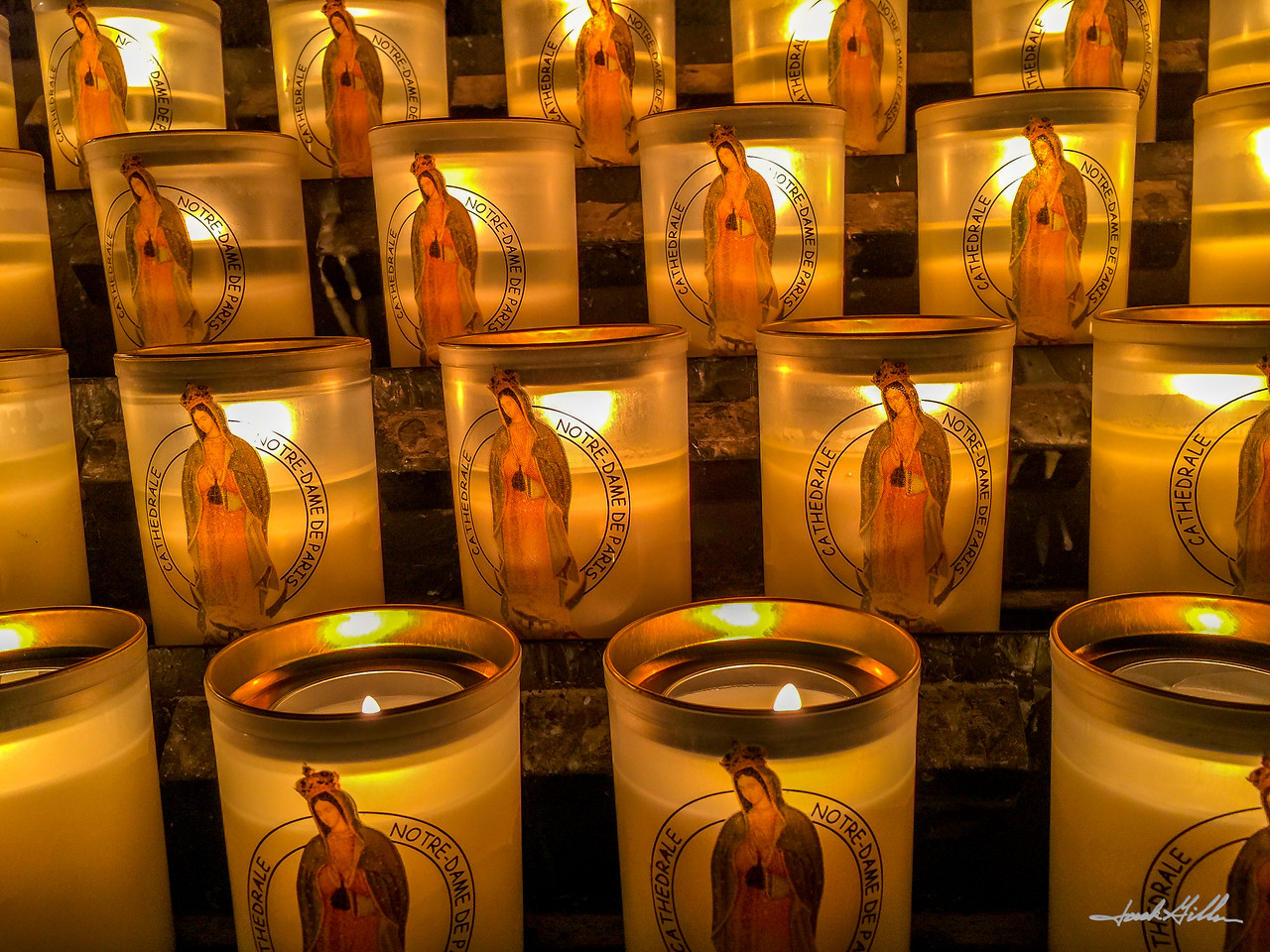 Candle lights-Norte Dame Cathederal