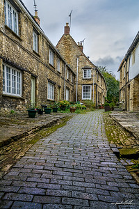Side street in Burford in the Cotswolds