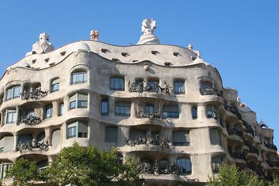 Casa Mila (Antoni Gaudi)