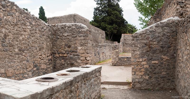 Pompeii - Via dell'Abbondanza (4pics 4574x2378px)