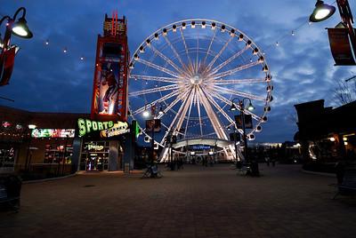 Sky Wheel - Clifton Hill - Niagara Falls