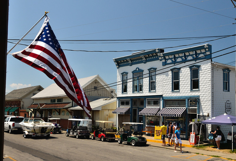 Kelley's Island Store - Lake Erie Islands