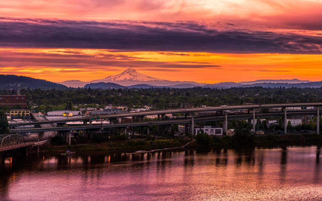A Portland Sunrise over Mt.Hood