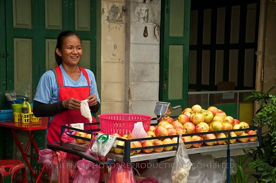 Bangkok, Thailand - Street Vendor TK3_9467