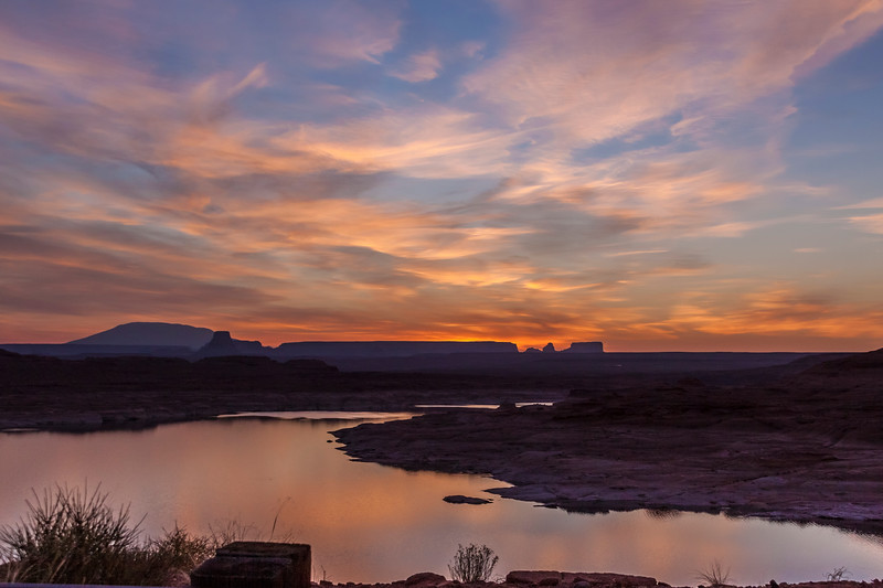 Sunrise on Lake Powell in the Glen Canyon National Recreation Area in Arizona (also extends into Utah).