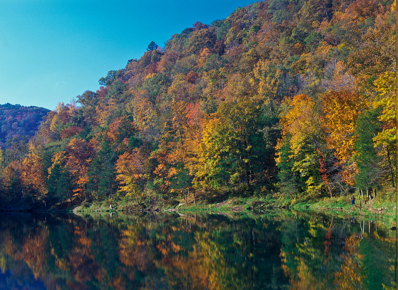 Autumn color at Blanchard Springs, Arkansas. State park area has lake, waterfalls, springs, and underground caverns.