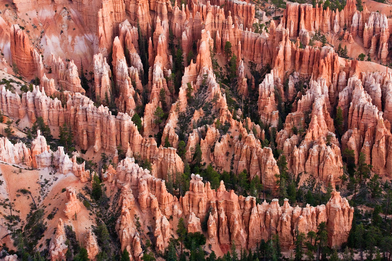 Sunrise at Bryce Point in Bryce Canyon National Park in Utah.