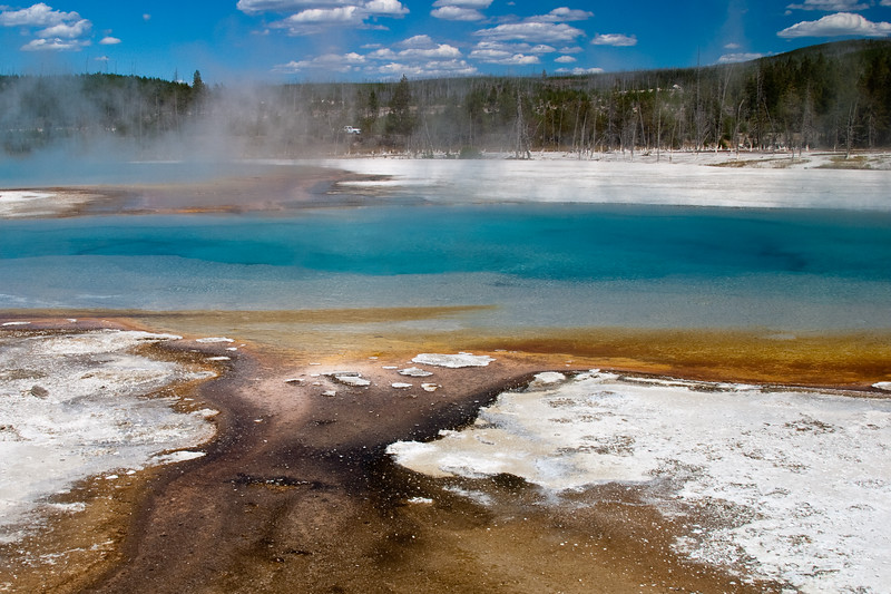Hot Springs and Geysers in Black Sand Basin in Yellowstone National Park, Wyoming.