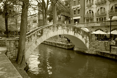 Bridge over the Riverwalk