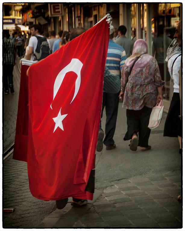 Flag Vendor: Istanbul, Turkey