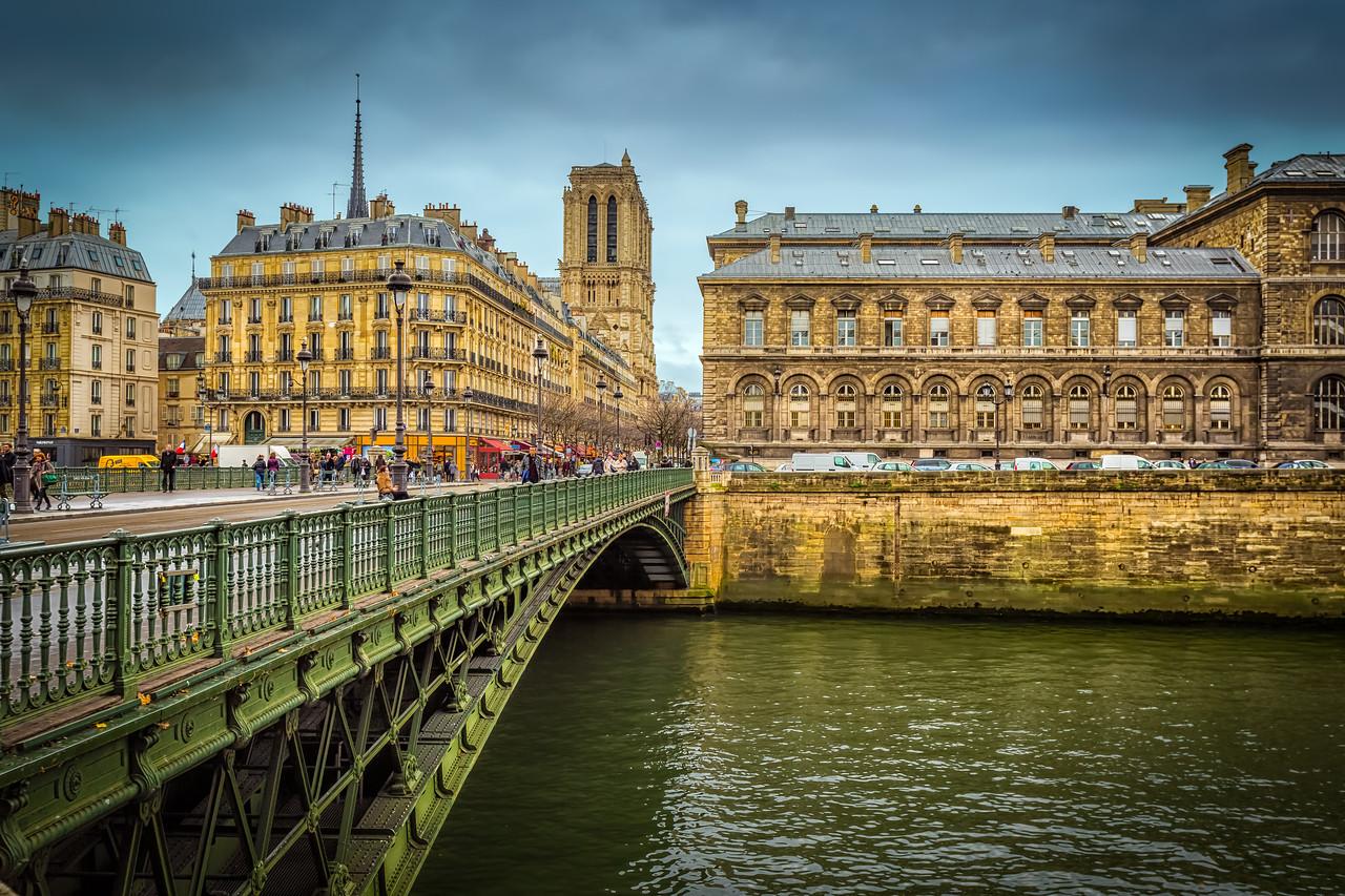 Pont d'Arcole Bridge