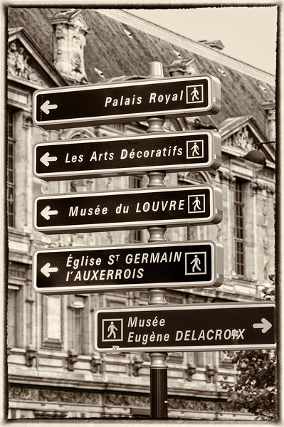 Paris Street signage!