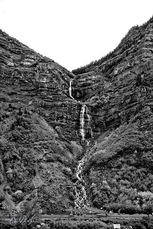 Bridal Veil Falls is a 607-foot-tall (185 m) double cataract waterfall in the south end of Provo Canyon, in the state of Utah.