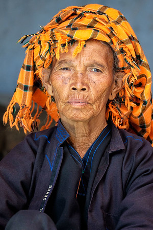 Tribal man at Aungpan market