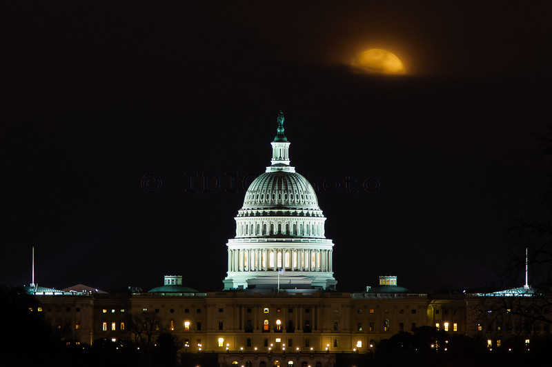 Moonrise over US Capitol