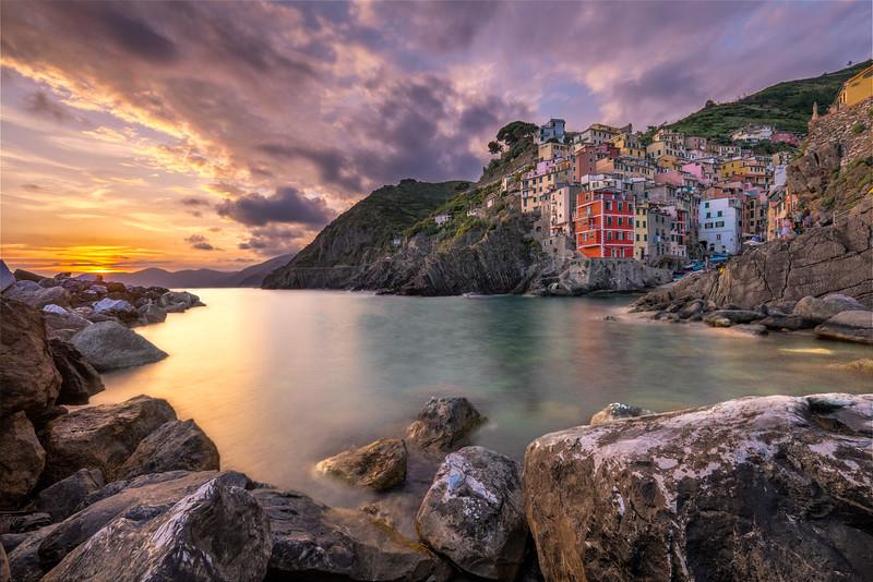 The sun is setting over Riomaggiore – Cinque Terre