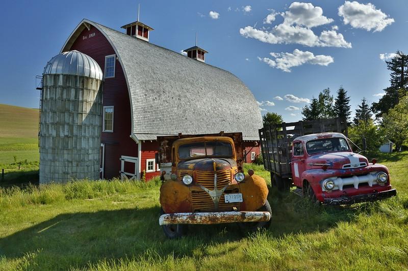 Palouse Barn & Trucks