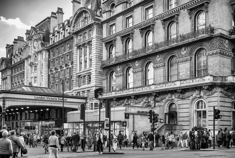 Victoria Station!