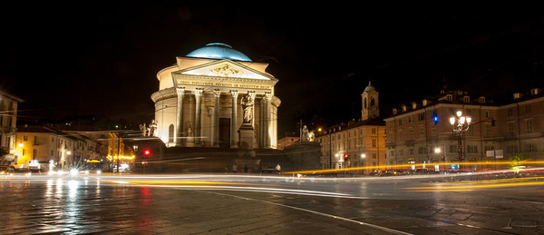 Evening commute at the Church of the Gran Madre di Dio Turin
