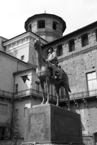 Monument dedicated to the Italian Calvary