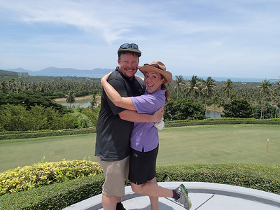Fun golfing in Thailand - first time with caddies!