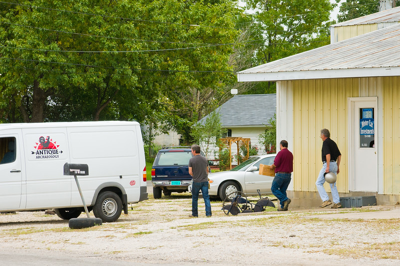American Pickers Haul Out A Load From Local Nebo, Illinois Motor Car Investments