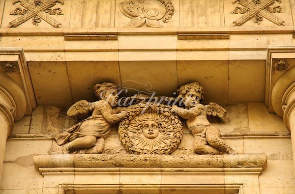 Angel sculptures at Château de Vincennes