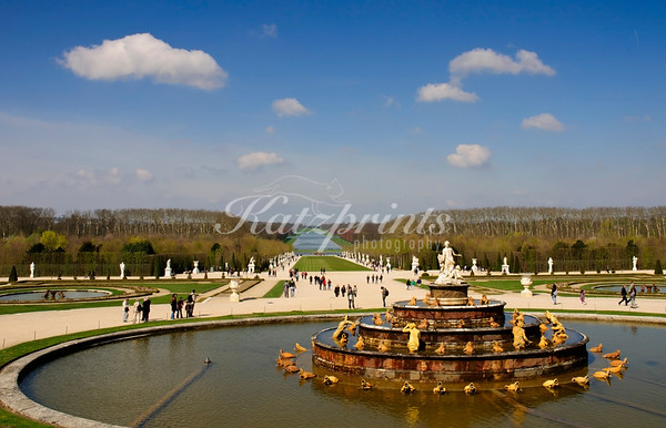 When the fountains of Versailles are not running, visitors can appreciate an unobstructed view from the palace down to the Grand Canal. The Grand Canal transformed the east-west perspective into a long light-filled sheet of water and was used for numerous nautical spectacles.