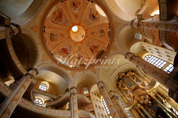 The interior of the reconstructed  Frauenkirche with the new Kern organ