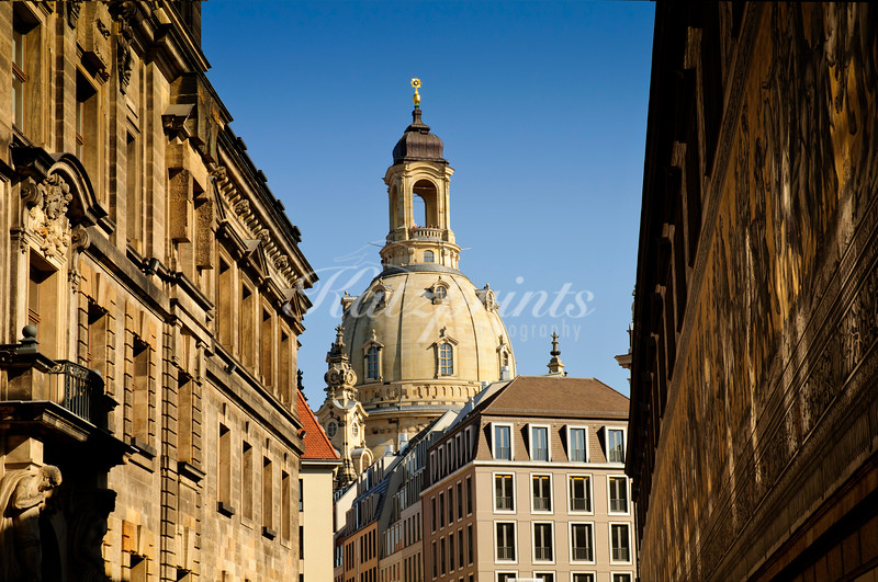 The cupola of the Frauenkirche is seen from Augustusstrasse