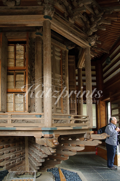 The rinzo (rotating bookracks) at Hase-dera temple houses the important Buddhist sutras for the temple. It is said that by turning the rinzo one can earn the same merit as from reading all the sutras.