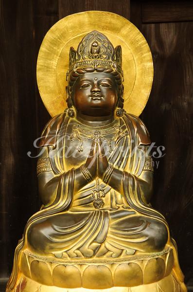 Statue at Hase-dera temple in Kamakura