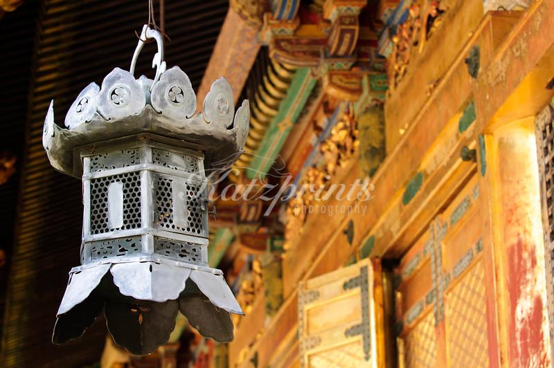 Lantern at the front of Ueno Tōshō-gū shrine in Tokyo