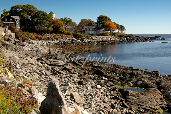 A small bay at low tide on Peaks Island, Maine