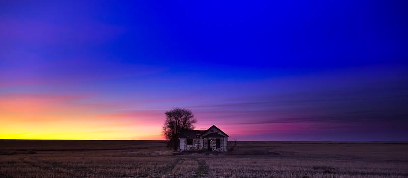 Abandoned Farmhouse, before sunrise December 2018