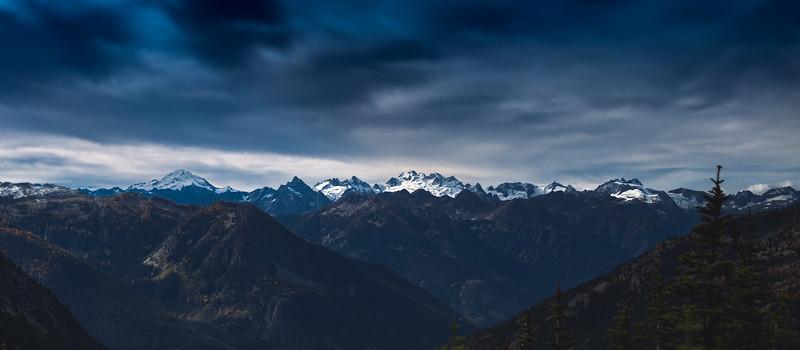 Glacier Peak, Dome Peak and surrounding mountain tops.