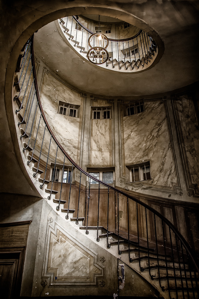 Staircase at Gallerie Vivienne