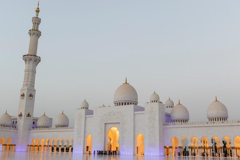 ABU DHABI. SHEIKH ZAYED GRAND MOSQUE.