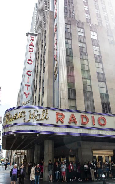 NEW YORK CITY. MANHATTAN. FACADE RADIO CITY HALL.