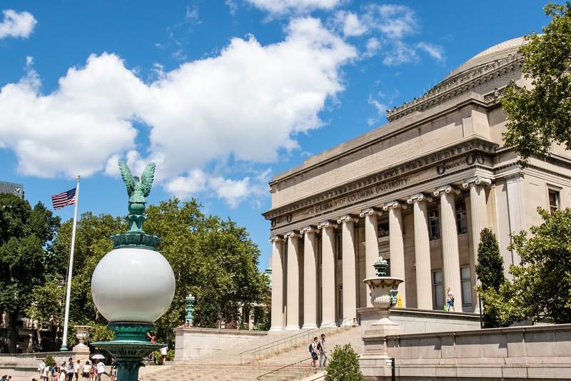 NEW YORK CITY. UPPER MANHATTAN. COLUMBIA UNIVERSITY. LIBRARY.