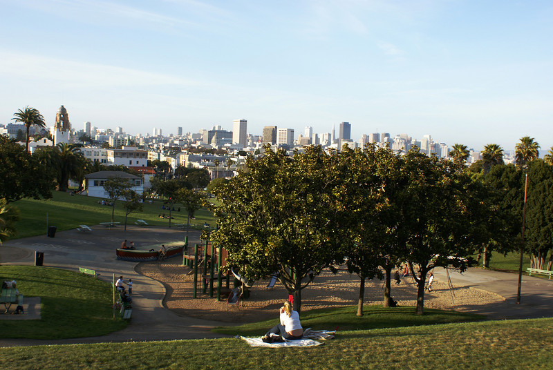 SAN FRANCISCO SKYLINE WITH THE MISSION DOLORES CHURCH. SEEN FROM THE MISSION DOLORES PARK. SAN FRANCISCO. CALIFORNIA.