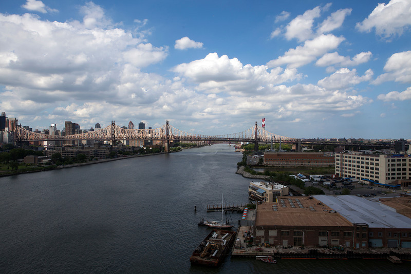 NEW YORK CITY.VIEW AT THE EAST RIVER FROM LONG ISLAND CITY.